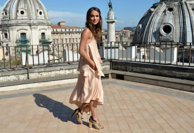 Alicia-Vikander--The-Man-From-UNCLE-Photocall--03-662x457